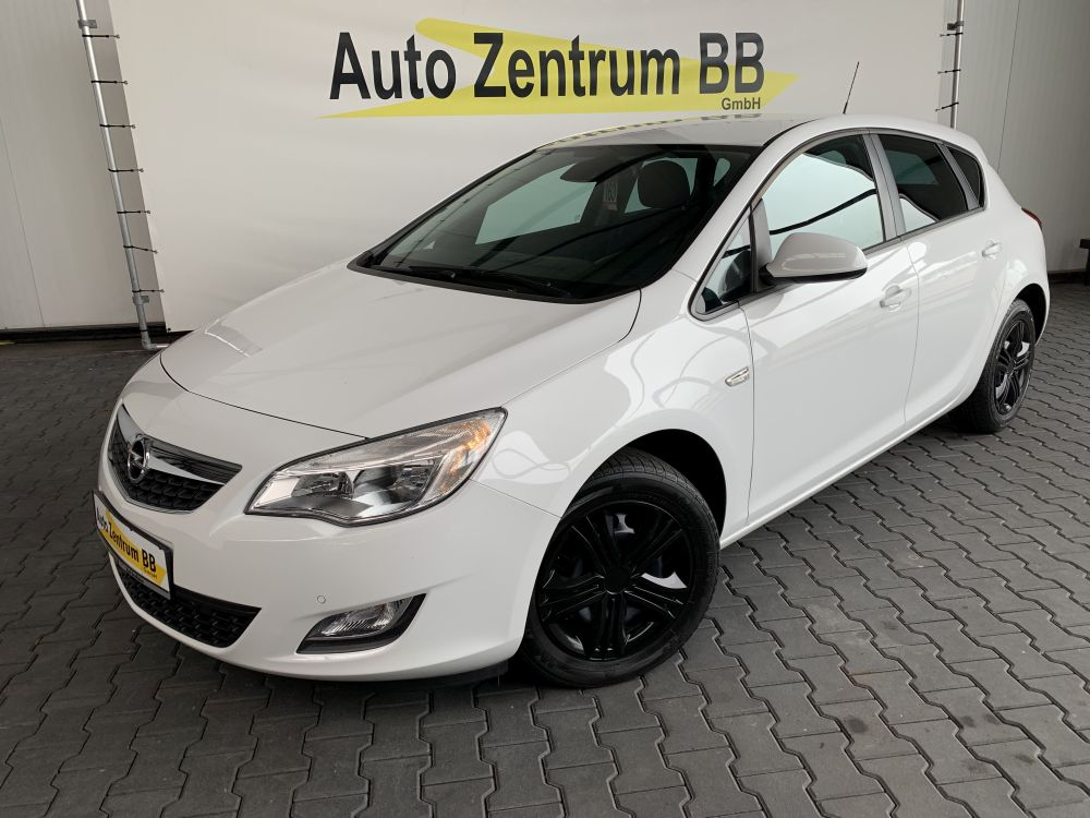 Opel Astra J 1.4 TURBO Design Abnehmbare AHK Sitz- & Lenkradheizung