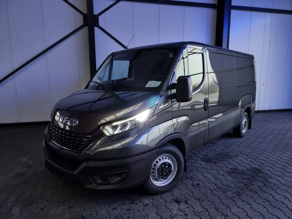 Iveco Daily 35S18 L2H1 Business Premium LED DAB Kamera